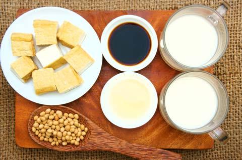 豆乳などの大豆製品にはバストアップ効果がある