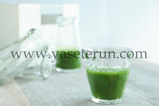 運動後でもスッキリとした味で飲みやすいと評判のfabiusフルーツ青汁