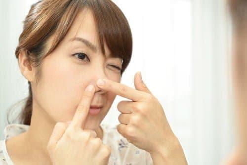 ブツブツのイチゴ鼻や頬の黒ずみを洗顔で改善したい人はチェック!