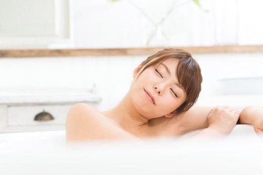 お風呂に入ればむくみ解消にも役立つ