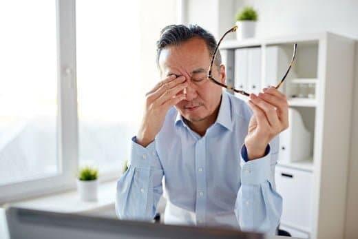 疲労がたまると体には思わぬ悪影響が!ワキガニオイを強める可能性もある