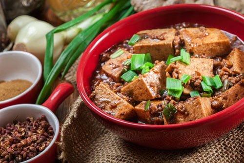 唐辛子・にんにく・にらなどを含む麻婆豆腐